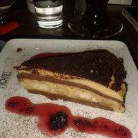 Снимок сделан в Moines Cafe & Fine Dining пользователем H.İbrahim A. 7/17/2013