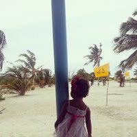 Das Foto wurde bei Kumundhoo Beach Side von Ahmed A. am 7/25/2013 aufgenommen