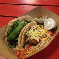 Foto tomada en Torchy's Tacos por John O. el 10/14/2012