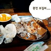 Foto diambil di Gusto Taco oleh Jung Jae L. pada 2/16/2014