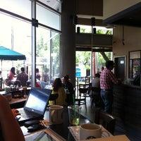 Foto diambil di Starbucks oleh Ivan R. pada 6/19/2013