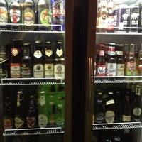 Das Foto wurde bei Sailors Pub von João T. am 6/8/2013 aufgenommen