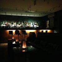 Foto scattata a CINCO Lounge da Matteo S. il 2/24/2013