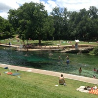 Photo prise au Barton Springs Pool par Jacob P. le6/1/2013