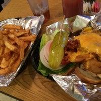 Foto scattata a Boca Burger House da Jeffrey S. il 7/14/2017