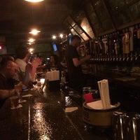 5/15/2014 tarihinde RJ W.ziyaretçi tarafından Fools Gold NYC'de çekilen fotoğraf