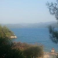 Das Foto wurde bei Çınar Plajı von Duygu Ö. am 7/22/2013 aufgenommen