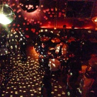 รูปภาพถ่ายที่ Fontana's Bar โดย Meng H. เมื่อ 3/30/2013