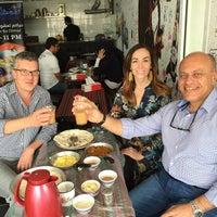 รูปภาพถ่ายที่ Emmawash Traditional Restaurant | مطعم اموش โดย Mahmood A. เมื่อ 4/13/2015