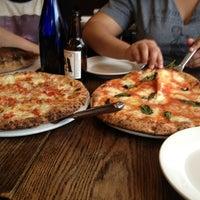 Foto scattata a San Marzano Brick Oven Pizza da Elvin M. il 6/2/2013