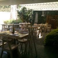 4/13/2013にMauricio M.がRestaurante & Bar La Veladoraで撮った写真