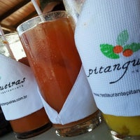 Foto scattata a Pitangueiras Restaurante da Carlos A. il 1/20/2013