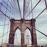 Das Foto wurde bei Brooklyn Bridge von Brandon O. am 5/23/2013 aufgenommen