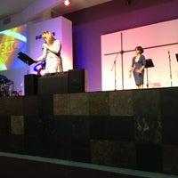 Das Foto wurde bei Dunamis Ministries von Betsy L. am 10/14/2012 aufgenommen