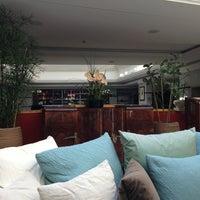 รูปภาพถ่ายที่ ARIA Hotel Prague โดย Adam N. เมื่อ 7/26/2013