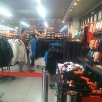 Investigación Impotencia parásito  Nike Factory Store - Av. Irarrázaval 2801