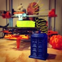 Foto diambil di LA Makerspace oleh Luis M. pada 2/2/2013