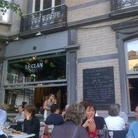 รูปภาพถ่ายที่ Le Clan des Belges โดย Seb D. เมื่อ 6/6/2013