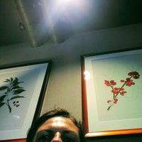 Foto tomada en Starbucks por Tania Sade el 7/24/2017