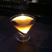 Photo prise au HaChi Restaurant & Lounge par Richard B. le1/11/2013