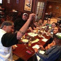 Foto tomada en Tap House Grill por Stacy V. el 5/1/2013