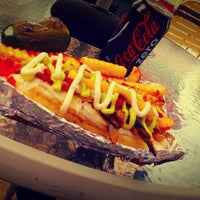 9/20/2013にAlejandro A.がDr. Frankfurter's Monstrous Hot Dogsで撮った写真