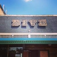 Foto tirada no(a) Dive Bar & Lounge por Jonny E. em 4/30/2013