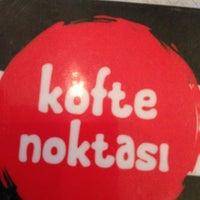 Foto tirada no(a) Köfte Noktası por Okan em 6/19/2013