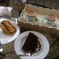 รูปภาพถ่ายที่ Brigadeiro Doceria & Café โดย Andressa C. เมื่อ 5/30/2013