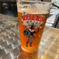 Foto diambil di Sip Coffee & Beer House oleh Drew A. pada 7/5/2021