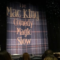 Foto diambil di The Mac King Comedy Magic Show oleh Michael H. pada 12/30/2017