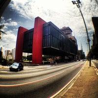 Foto scattata a Museu de Arte de São Paulo (MASP) da Ricardo P. il 12/1/2012
