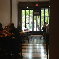 Снимок сделан в Taszo Espresso Bar пользователем Heike B. 7/18/2013