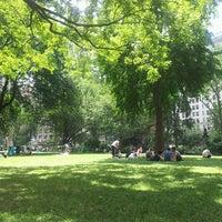 รูปภาพถ่ายที่ Madison Square Park โดย Kevin D. เมื่อ 6/28/2013