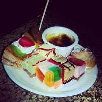 Foto tomada en Makino sushi and seafood buffet por Emilio P. el 12/18/2013