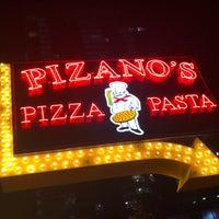 Foto scattata a Pizano's Pizza & Pasta da Max G. il 9/17/2018