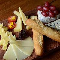 6/9/2014 tarihinde Napoleon Food & Wine Barziyaretçi tarafından Napoleon Food & Wine Bar'de çekilen fotoğraf