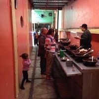 Foto tirada no(a) Tacos la glorieta por Volker M. em 10/26/2013