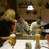 Foto tirada no(a) Restaurant Floh por Christian W. em 11/26/2012