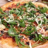 6/11/2013에 Dino M.님이 Pizzeria Fianona에서 찍은 사진