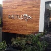 Foto tirada no(a) Rattle por Peke V. em 12/5/2012