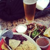 Снимок сделан в Hurricane's Bar & Grill пользователем Allen 7/3/2013