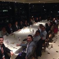 Foto tirada no(a) St. Regis Restaurante por Rodolfo J. em 10/5/2015