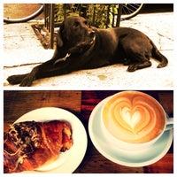 5/11/2013にNicholas W.がLenox Coffeeで撮った写真