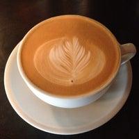 Foto scattata a Lenox Coffee da Nicholas W. il 11/25/2012