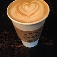 Photo prise au Lenox Coffee par Nicholas W. le10/30/2013