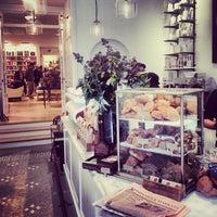 รูปภาพถ่ายที่ Toby's Estate Coffee โดย Allan S. เมื่อ 11/9/2013