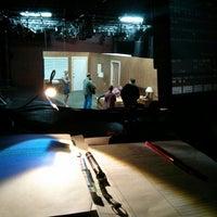 Das Foto wurde bei New Ohio Theatre von Lizzie R. am 7/10/2013 aufgenommen