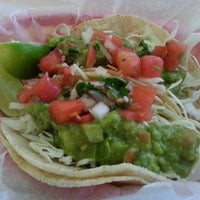 Foto diambil di La Luz Mexican Grill oleh Julieanna D. pada 6/6/2013