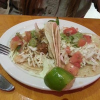 Foto diambil di La Luz Mexican Grill oleh Julieanna D. pada 9/11/2013